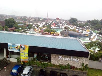 snow bay from top.jpg