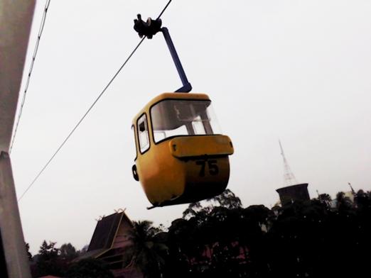 yellow skylift.jpg