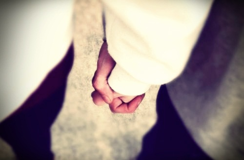 i wanna hold your hand..