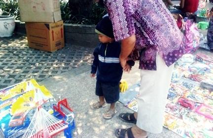 Harits & Mbah di Alun-alun Kota Malang ^^