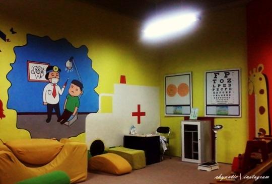 ruang praktek dokter mini ^^