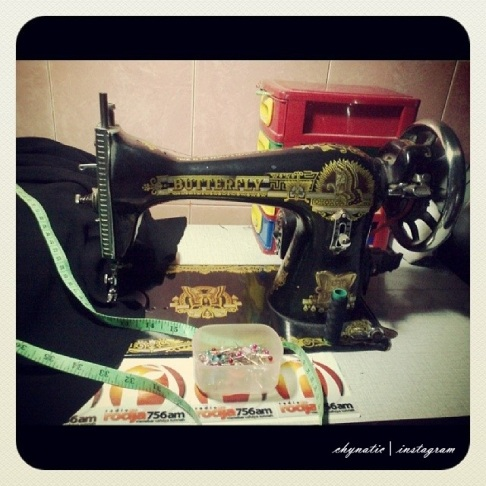 my beloved sewing machine ^^