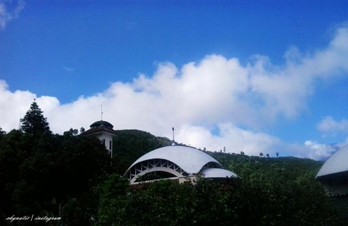 Masjid At Ta'awwun Puncak