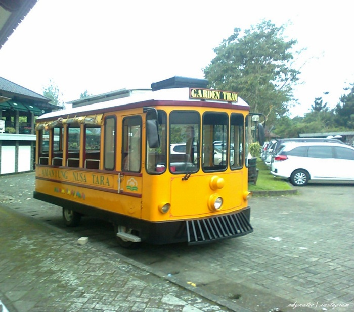 trem keliling taman