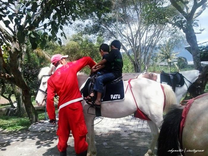 zaid n harits naik kuda..