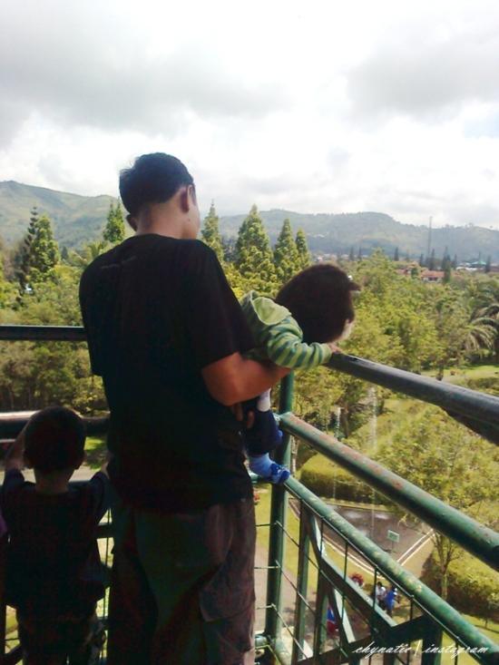 aa n kids at menara pandang